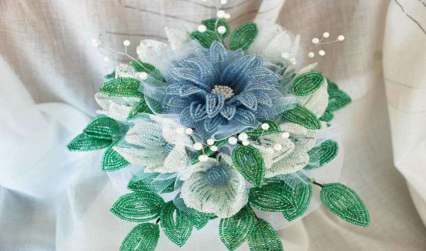 Свадебные букеты бисером
