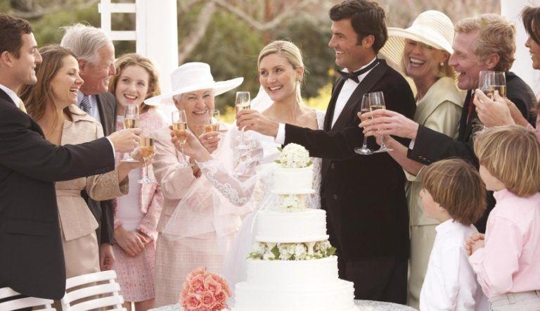 Как оригинально поздравить родителей на свадьбе от молодых