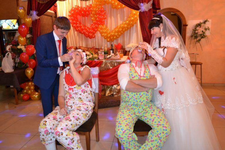 Конкурсы для свадьбы прикольные новые за столом