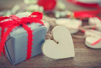 Какие подарки будут символическими