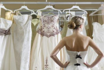Плюсы проката свадебного платья