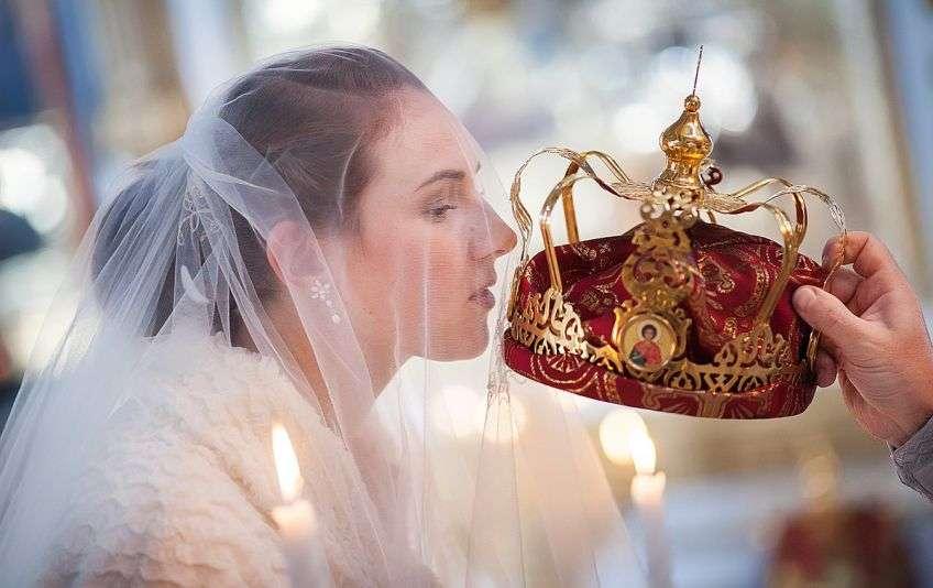 В чем нужно венчаться молодым