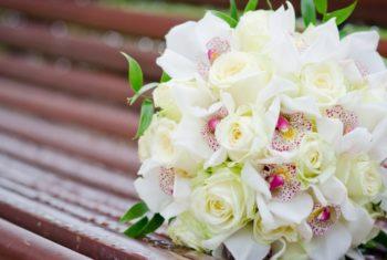 Букет невесты с орхидей