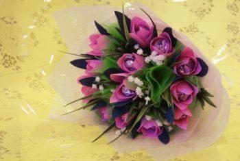Необычный букет невесты из конфет