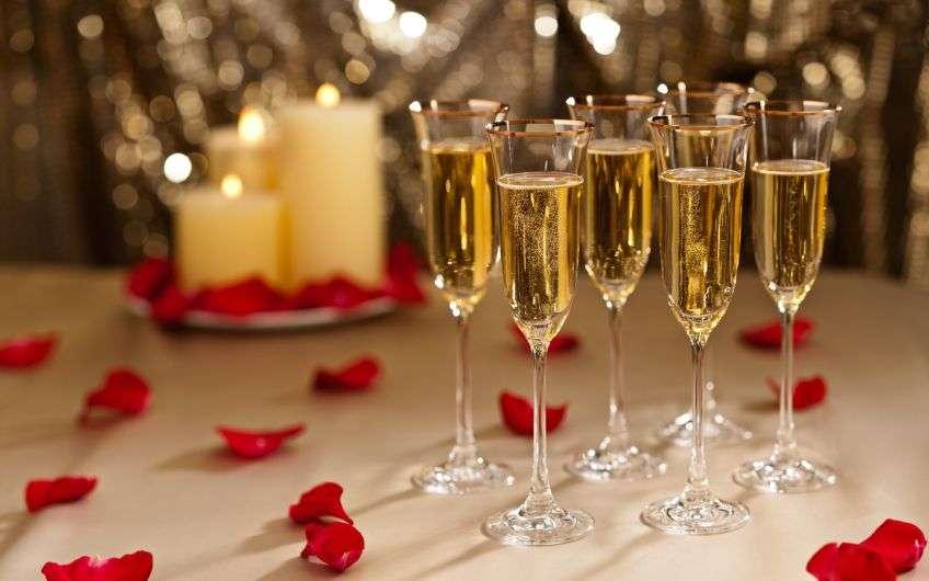 Изображение - Смешные и прикольные тосты на свадьбу Tostu-na-godovshiny-848x500