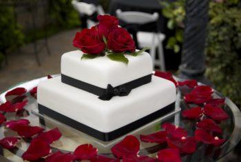 Декор тортов на свадьбу