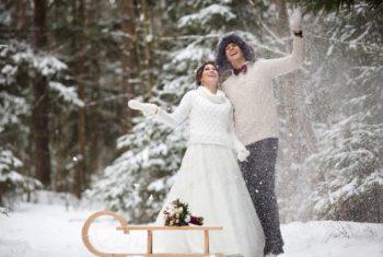 В зимней свадьбе много плюсов