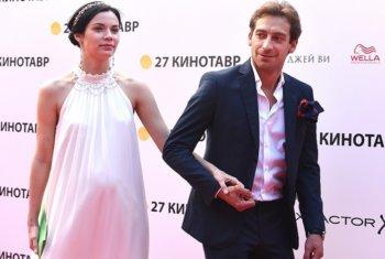 Артем Ткаченко сыграл свадьбу